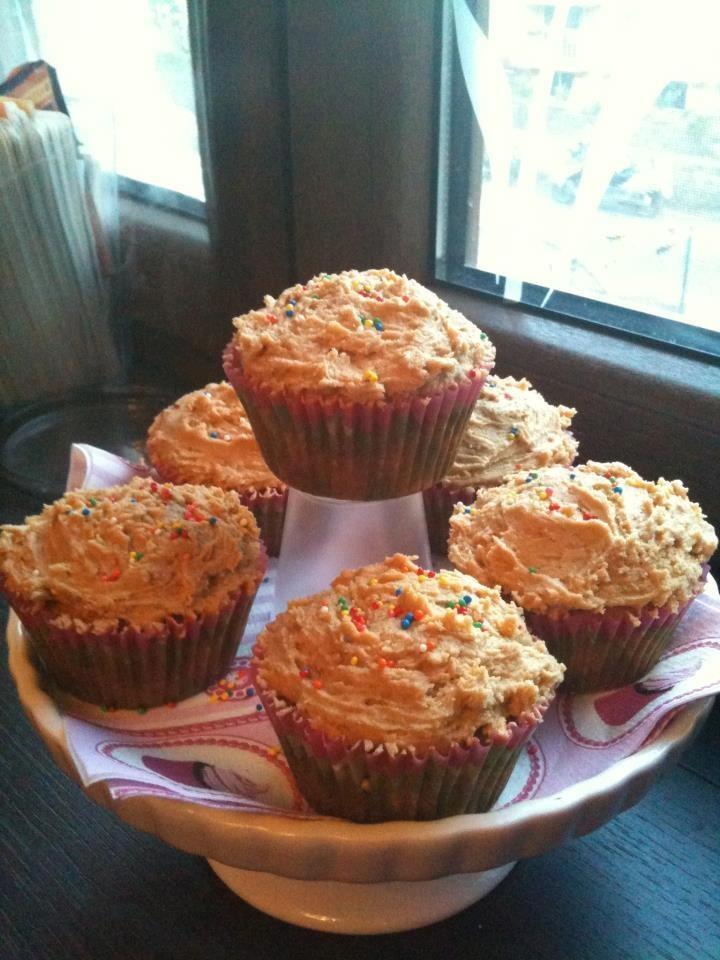 """""""Cupcakes di farro alla ricotta pugliese con buttercream al burro di arachidi""""  trovate la ricetta qui - find the recipe here ---> http://www.facebook.com/media/set/?set=a.121624294591004.32210.121609514592482=3#!/photo.php?fbid=342933589126739=a.121624294591004.32210.121609514592482=3"""
