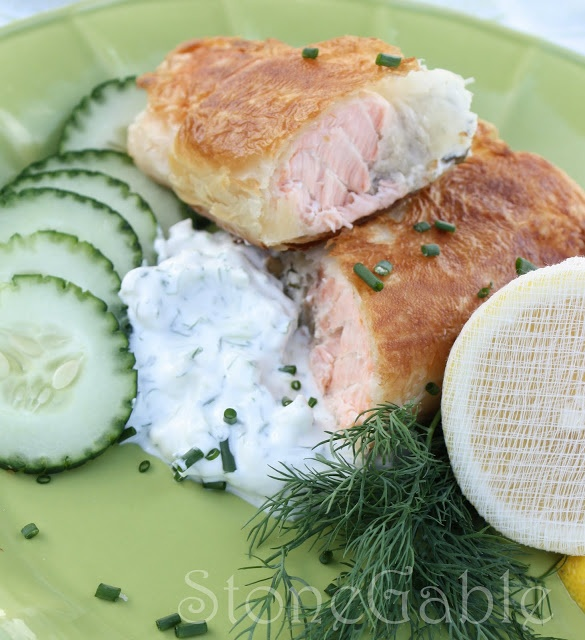 StoneGable: Salmon En Croute With Cucumber Dill Sauce