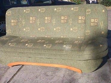Rozkládací gauč s úložným prostorem