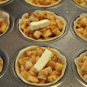 Mini Apple Pies - I made these and they came out awesome!