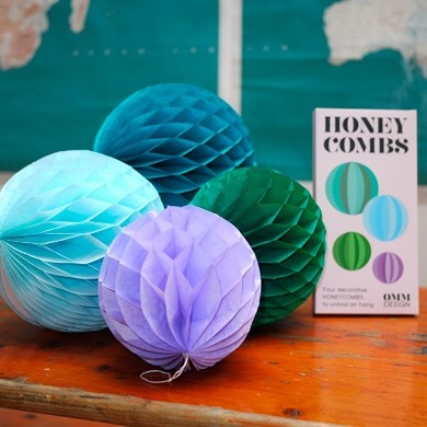 Honeycomb balls blue/green * The Pippa & Ike Show [more at pinterest.com/eventsbygab]