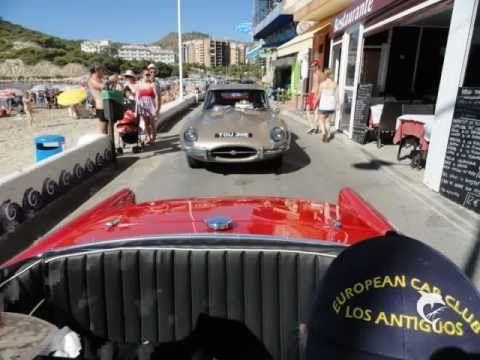 Exhibición de coches antiguos en las fiestas de La Cala de Finestrat