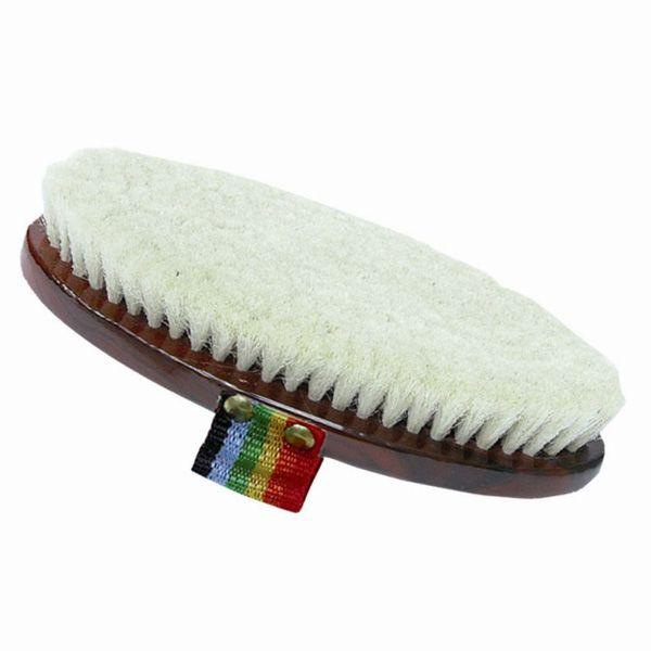 Spazzola Daslo con dorso in legno e setola in morbido mohair bianco.
