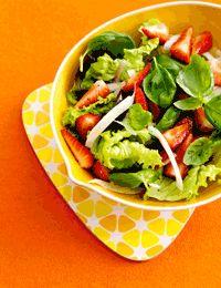 Salat med jordbær, fennikel og basilikum