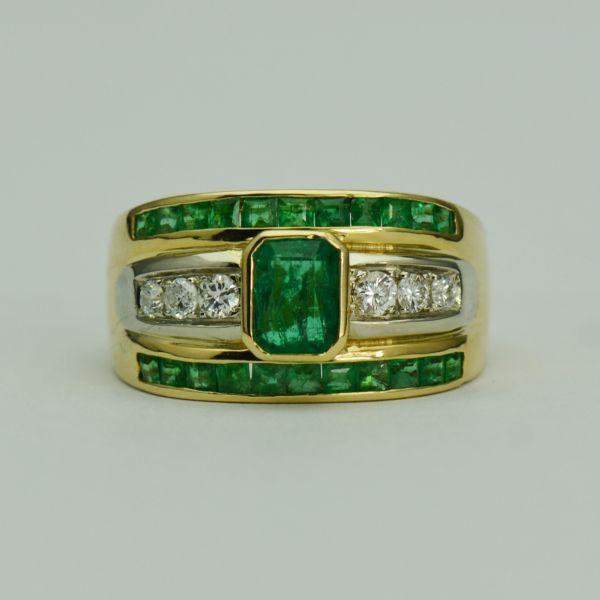 Inel de aur galben cu smaralde si diamante