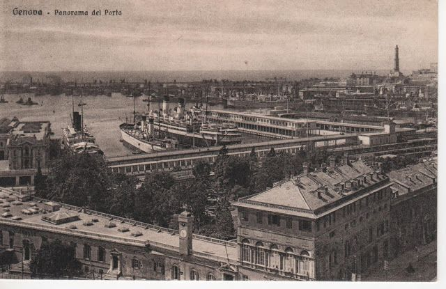 C'ERA UNA VOLTA GENOVA - Prince's palace end the Maritime station around 1930 -  The Palace lost his sea-side at the end of 1800 when the port expanded towards west and the Maritime station was buit just in front of it.