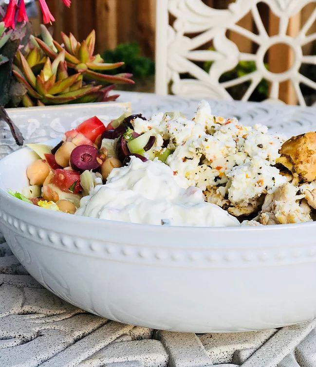 Mediterranean Chicken Bowls | Lifestyle Blog | knack&moxie