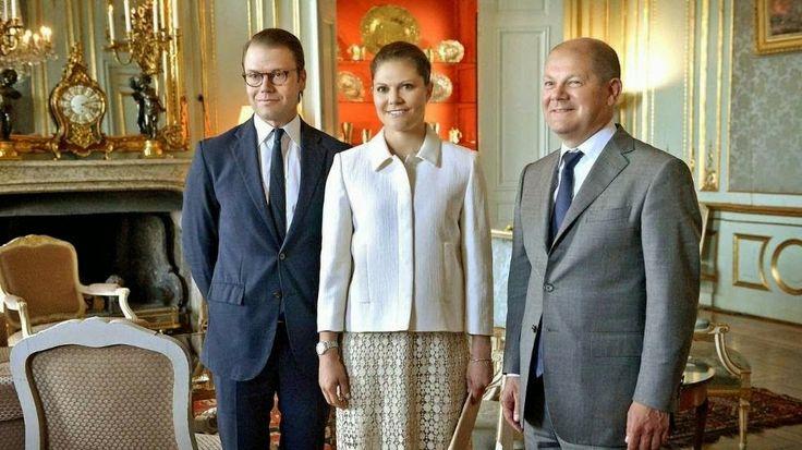 MYROYALS &HOLLYWOOD FASHİON - Crown Princess Victoria and Prince Daniel starts with The Town Mayor of Hamburg, Olaf Scholz at the Royal Palace.