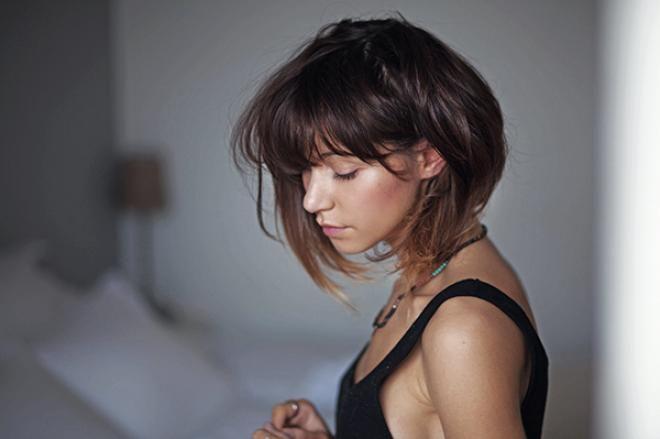 Tutos cheveux : zoom sur la frange • Hellocoton.fr
