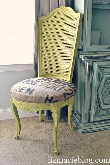 cute chair makeover!: Chairs Makeovers, Rocks Chairs, Avocado Green, Dining Chairs, Reuse Furniture, Burlap Chairs, Green Chairs, Chairs Re Do, Chairs Redo