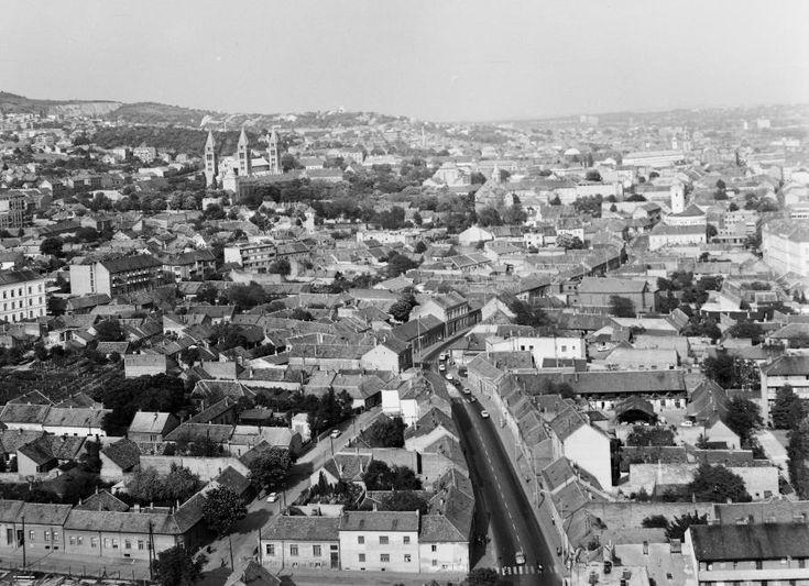 látkép a Magasház tetejéről a Székesegyház és a belváros felé nézve.