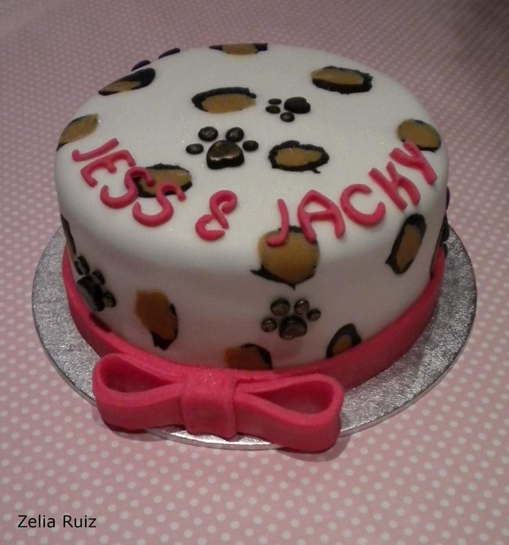 Animal print leopard fondant cake