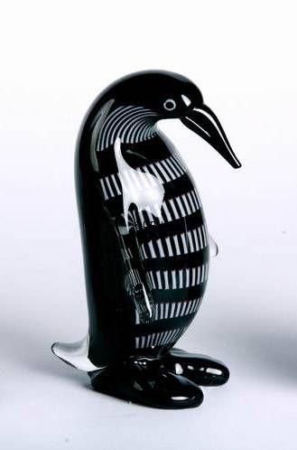 Mundblæst glas pingvin med hoved ned, sort, Højde: 19cm, Glas Kunst, Produceret for DPH Denmark