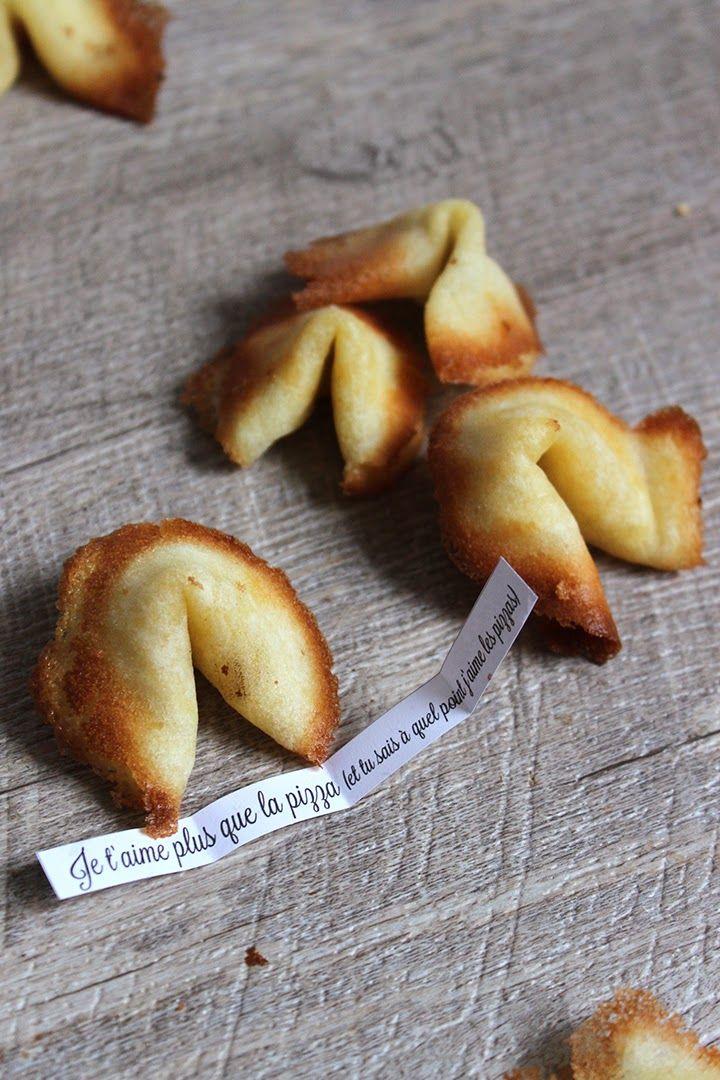 Pour clôturer votre repas de #SaintValentin, Préparez-lui des biscuits de la fortune avec des petits mots d'amour à l'intérieur ;-)  #Recette #MagasinsBOUM