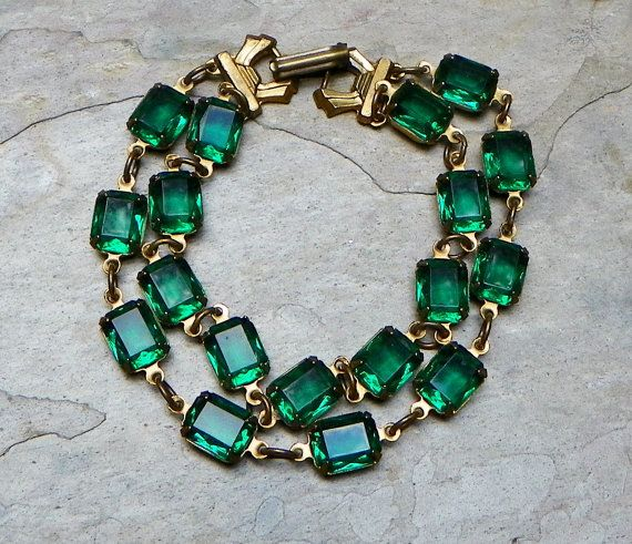 Emerald Green Vintage Victorian Holiday Bracelet by WillowBloom