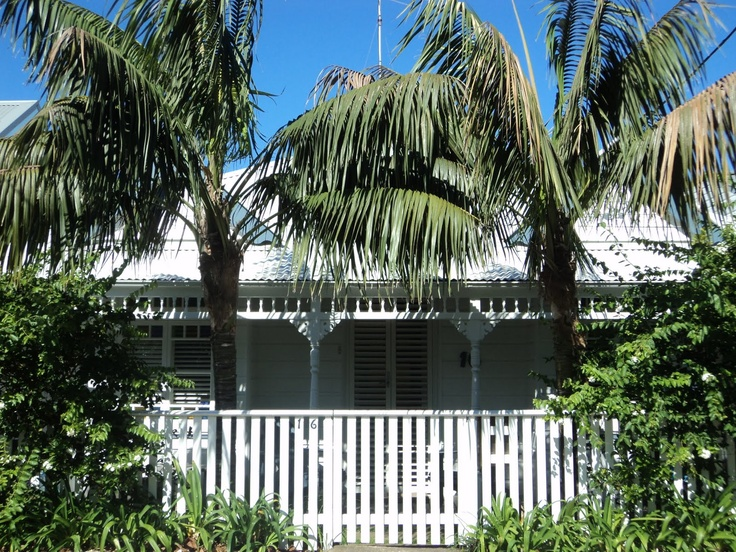 Tropical weatherboard