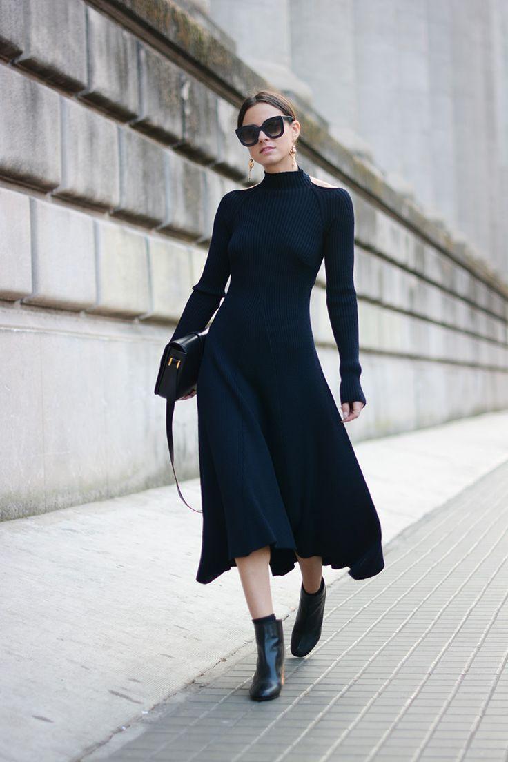 黒のエレガントなニットドレス。トレンドの人気モテ セーター♪ おすすめレディースコーデです☆