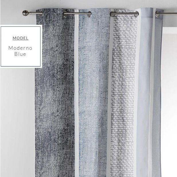 Stylowe niebieskie zasłony na okna w stylu skandynawskim