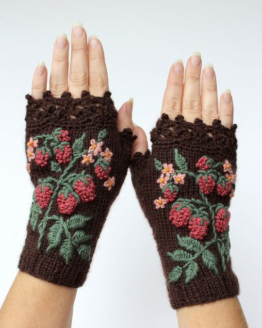 Quirky Handmade Fingerless Gloves Transform Winter Accessories Into Cozy, Wearable Art - My Modern Met