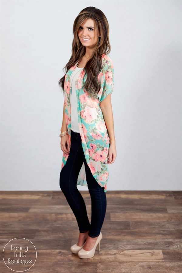 @brennynalexis You have to try the kimono.  They are very flattering, light and compy.  And soooo feminine.  Floral Kimono! | Jane