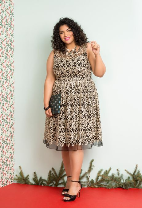 Plus size women like any other size women can now easily get the best of the party wear for their requirement.