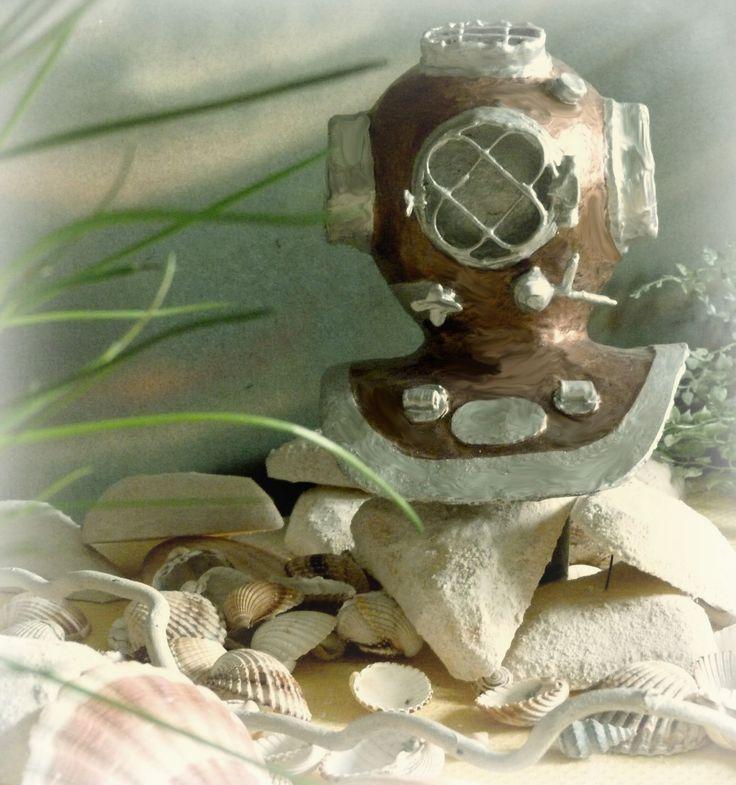 potápěčská+helma+-+Paper+mache+Teď+když+jsme+se+naučili+létat+v+povětří+jako+ptáci+a+potápět+se+jako+ryby,+zbývá+už+jen+jediné:+naučit+se+žít+na+zemi+jako+lidé.+George+Bernard+Shaw+Výrobek+vznikl+v+rámci+meziklubového+klání+MaŘeNa,+na+téma+PO+MOŘÍCH+A+OCEÁNECH.Soutěžím+za+klub+MaŘeNa+Má+ráda+papír.+Můžete+hlasovat+-+finálový+blog.+Potápěčská+helma+...
