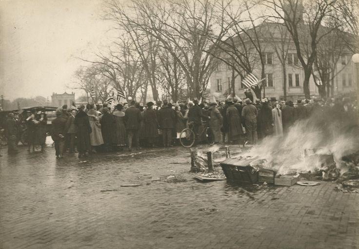 American high schoolers burn their German textbooks during an anti-German demonstration in Baraboo, Wisconsin.