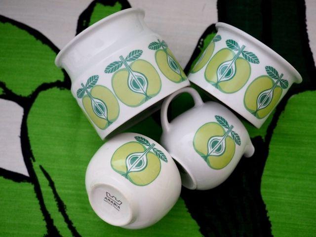 Raija Uosikkisen suunnittelema omenakoriste