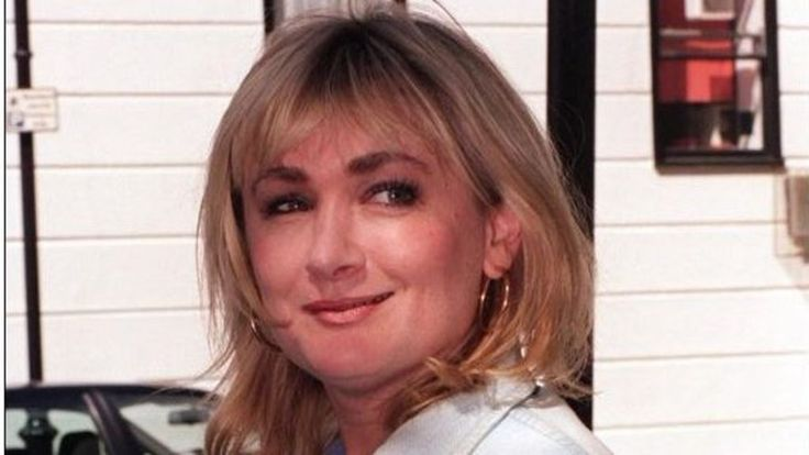 Obituary: Caroline Aherne - BBC News