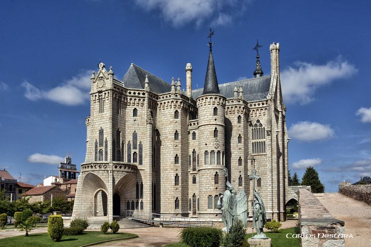 https://flic.kr/p/p7TyFY   Palacio Episcopal de Astorga. Gaudí.