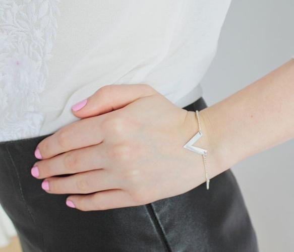 V for victory! bracelet silver