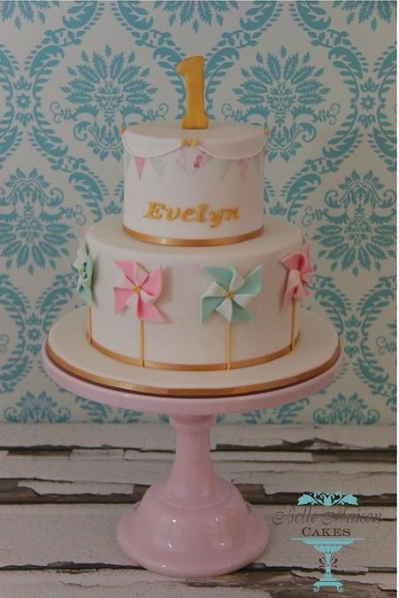 1st birthday pinwheel and bunting cake. would make a sweet baby shower cake too…