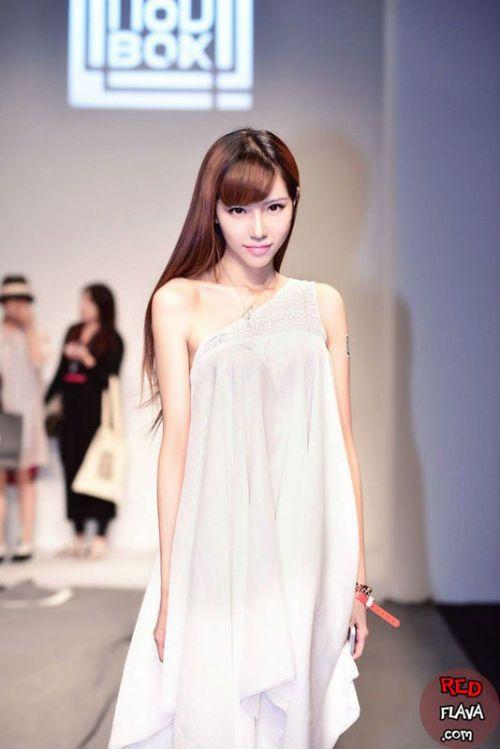 Ye Zi Xuan | Beautiful face, Chinese model, Most beautiful