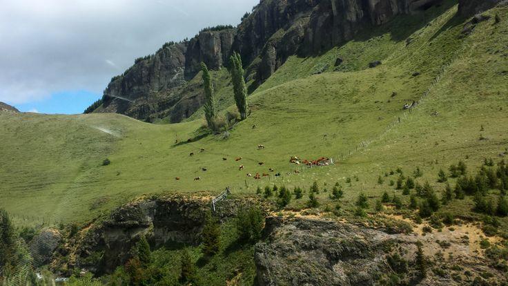 Valle ubicado entre Coyhaique y el aeropuerto Balmaceda. Foto de Oliver Vargas.