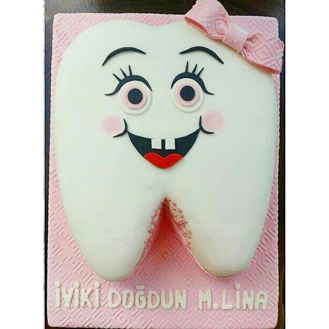 Lina'nın diş pastası  #gunaydin #good #morning #dis #disbugdayi #pasta #cake #ozel #siparis #butik #butikpasta #tasarim #dizayn #cikolatalipasta #cikolata #chocolate #TagsForLikes #gununkaresi #followme #takip #girl #kiz #bebek #baby