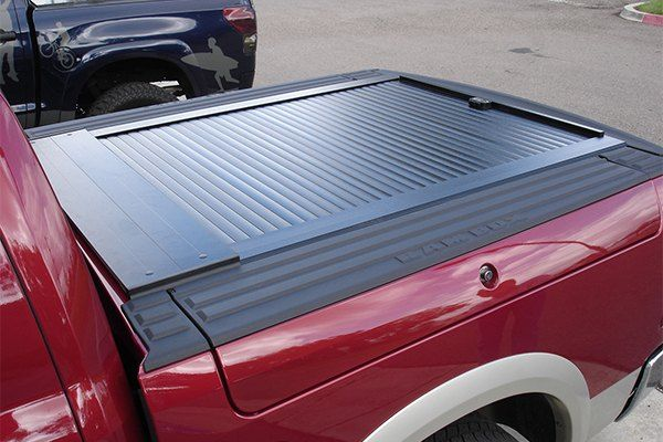 Dodge Ram 1500 Rambox With Tonneau Cover In Truck Cover Usa Install Truck Covers Dodge Ram 1500 Dodge Ram