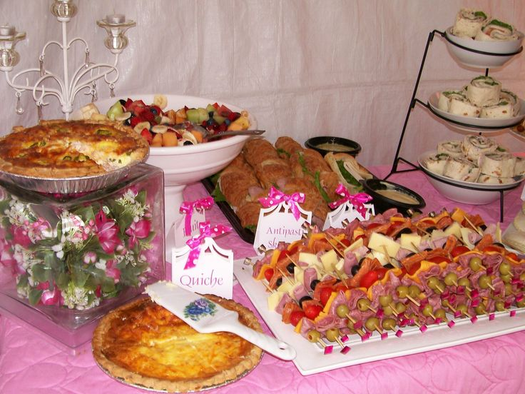 17 best images about buffet table set up on pinterest for Ensemble table buffet