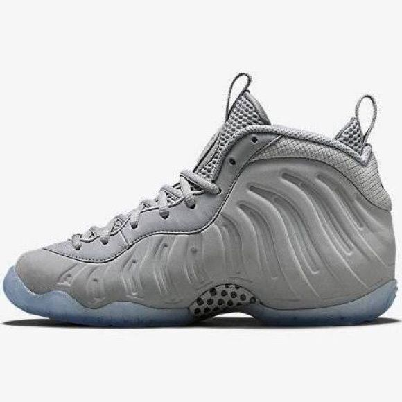 Wolf grey foam posites Wolf grey foams been worn twice still in great condition and I have the original receipt Nike Shoes Sneakers