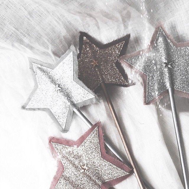 numero74 glitter star wands picture by modelmini su 1 comuni n pinterest star wand. Black Bedroom Furniture Sets. Home Design Ideas