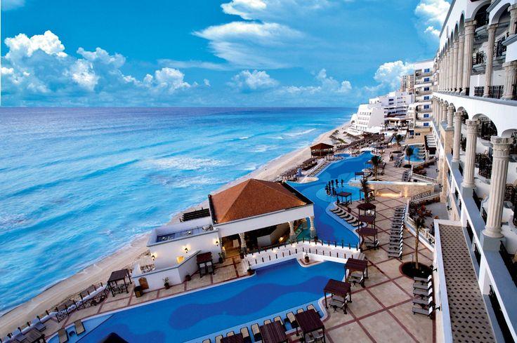 Conheça 10 resorts de cair o queixo em #Cancun http://catr.ac/p570137 #travel #viagem
