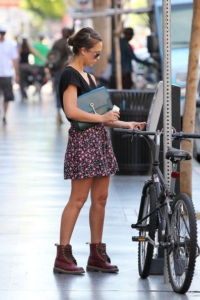 jessica alba lace up boots doc martens skirt fashion and lace up boots. Black Bedroom Furniture Sets. Home Design Ideas
