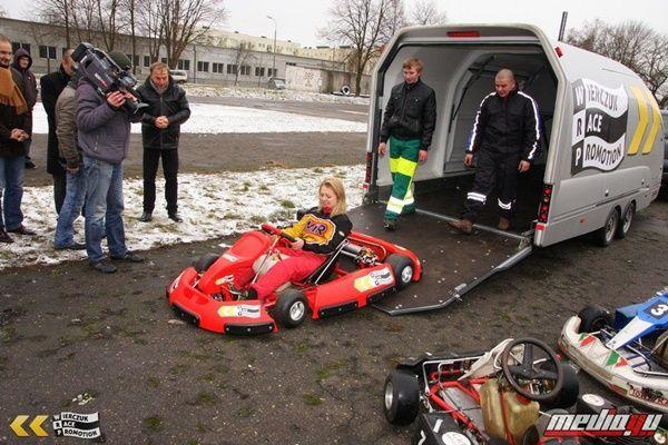 www.motorsportgp.pl/index.php?option=com_content=article=1046:fundacja-wierczuk-race-promotion-wspiera-uczniowski-klub-ze-skwierzyny=76:inne=572=pl