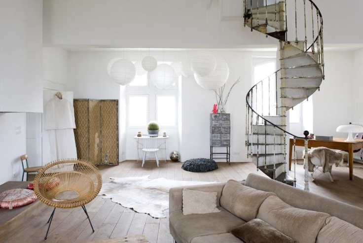 beautiful home in the south of france: Dreams Basements, Spirals Staircases, French Interiors, Spirals Stairs, Floors, Chic Interiors, Southern France, White Interiors, White Wall