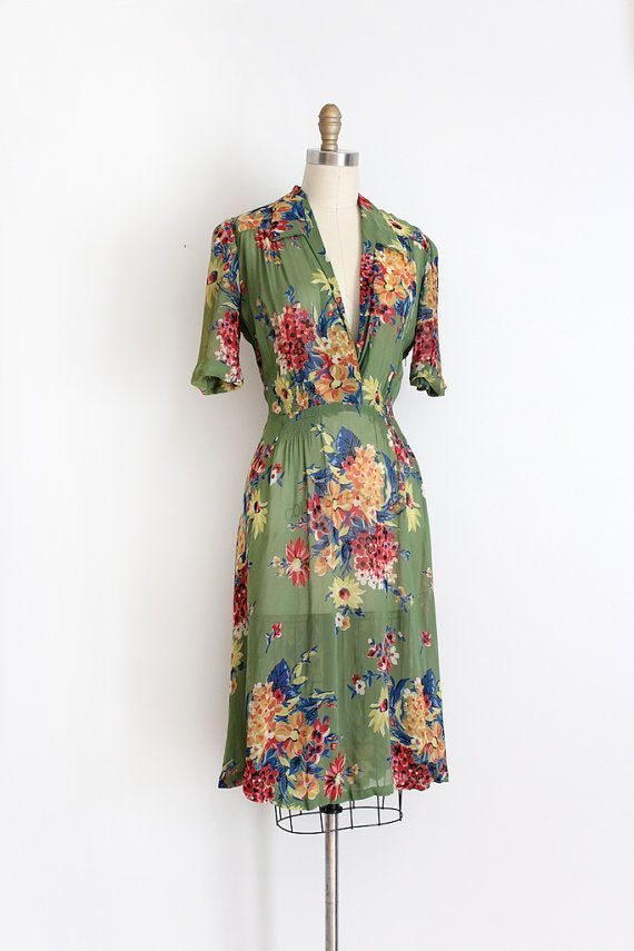 green vintage dresses 12 best outfits - vintage dresses