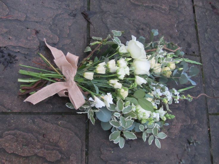 Clarity Flower can provide a personal service for your Funeral & Sympathy Flowers. We provide a unique, handmade arrangement to create the perfect floral tribute. All designs of flowers for funerals are available, including sprays, letters, wreaths and personal tributes.