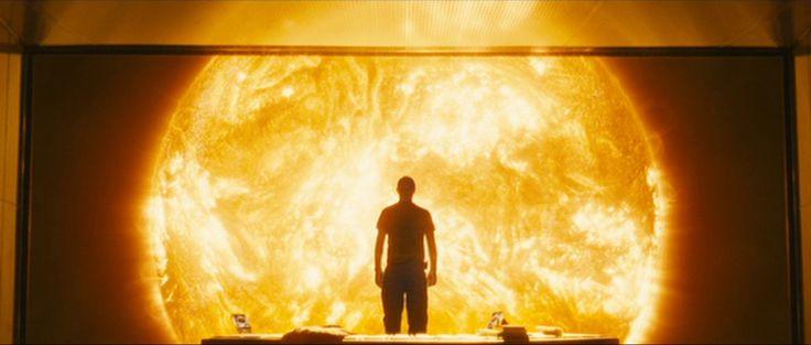 Watching the sun // Sunshine // Boyle