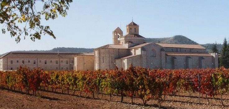 El Monasterio de Valbuena, balneario de Castilla Termal, en la Ribera del Duero combina a la perfección todo lo que el cuerpo necesita para despedirse del estrés y coger fuerzas gracias a su Spa Claríns y a su perfecta ubicación.