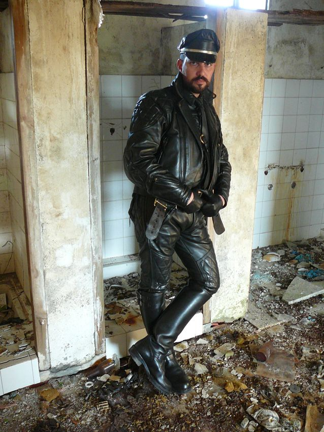 Gay Leather Biker Free Sex Videos - Watch Beautiful and