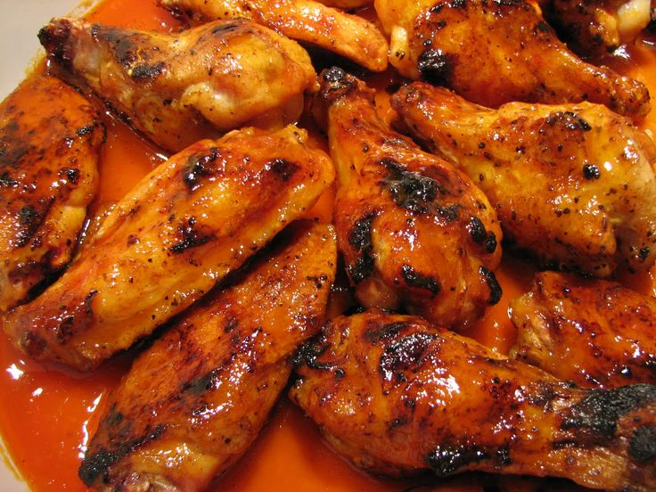 Buffalo Chicken Wings! On the Grill or in the Oven! Great for party especially football season! #chicken #recipe #wings