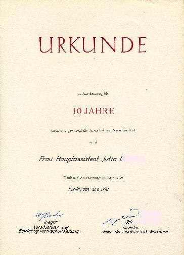 """DDR Museum - Museum: Objektdatenbank - Urkunde """"10 Jahre Deutsche Post""""    Copyright: DDR Museum, Berlin. Eine kommerzielle Nutzung des Bildes ist nicht erlaubt, but feel free to repin it!"""